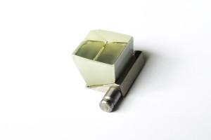 Prism for SPR-measurements in liquid environment